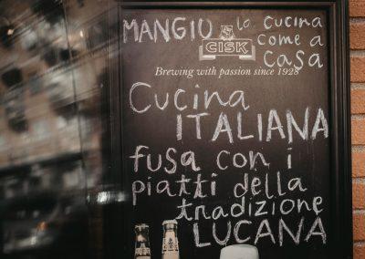 Lavagnetta all'ingresso di Ristorante Mangio Roma