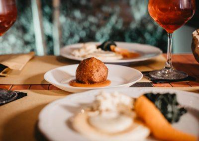 Piatti serviti a tavola di Ristorante Mangio Roma