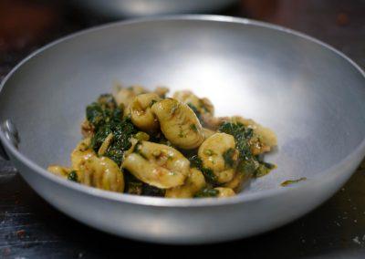 Un piatto di Gnocchi Cacio e Pepe di Ristorante Mangio Roma